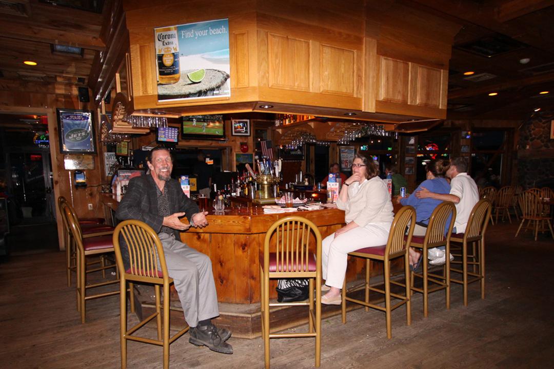 high peaks happy hour sport island pub northville