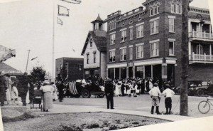 P1084 Schoolhouse next to Hardware Store 1919 003