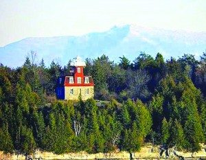 AdirondackMuseum-CabinFeverSundays_Lighthouse-LakeChamplain
