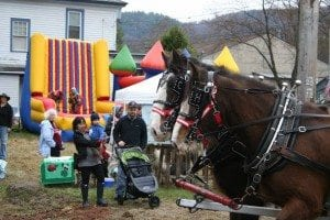 HadleyMapleinApril_horses