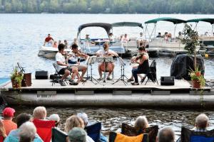 barge concert
