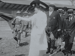 Sarah Pell leading President Taft on a tour of the restoration of Fort Ticonderoga on July 6, 1909.