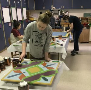 colton students barn quilt painting