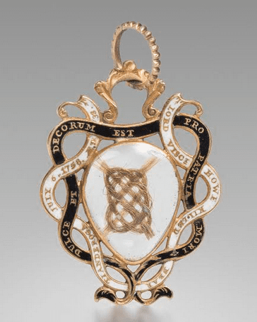 Gold mourning pendant featuring hair from George Augustus Lord Viscount Howe