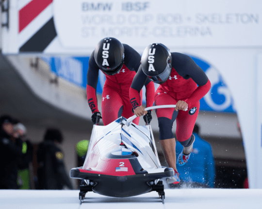 2 woman Bobsleigh