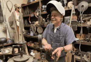 barney bellinger steel sculptor exhibit at the wild center
